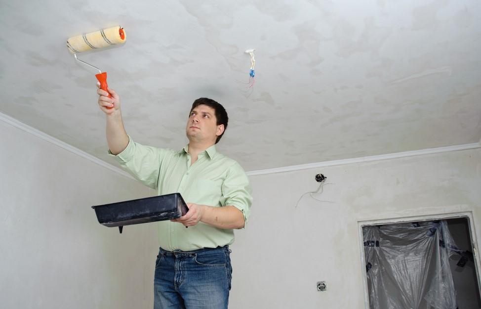 Как сделать потолки водоэмульсионной краской