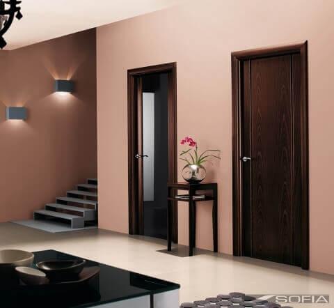 Установленная межкомнатная дверь фото