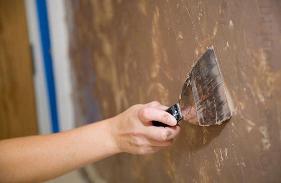 Очистка стен от шпаклевки