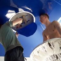 Как повесить люстру на натяжной потолок своими руками