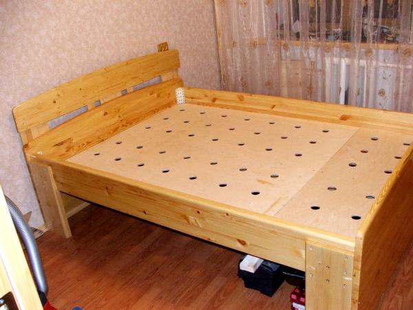 Укладка реек на кровать