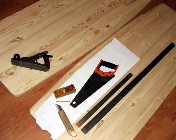 Необходимые инструменты для изготовления кровати