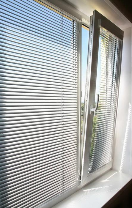 Установка Жалюзи На Пластиковые Окна Без Сверления Видео Инструкция - фото 11