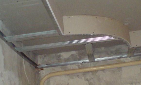 Монтаж первого и второго яруса потолка из гипсокартона