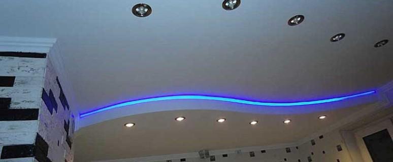 Стильный потолок из ГКЛ