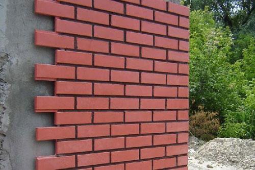 Отделка стен фасадным кирпичом