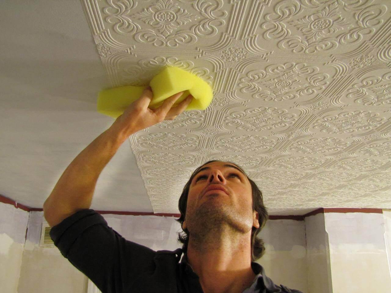 обои на потолок под покраску