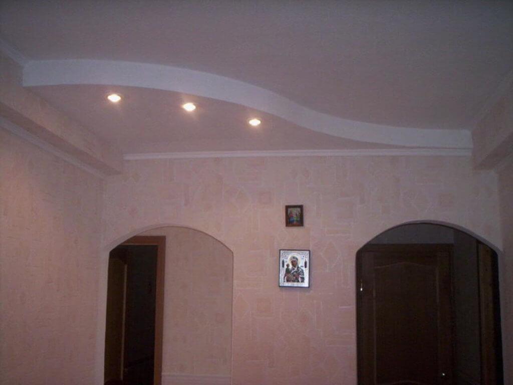 современная отделка потолков в квартире