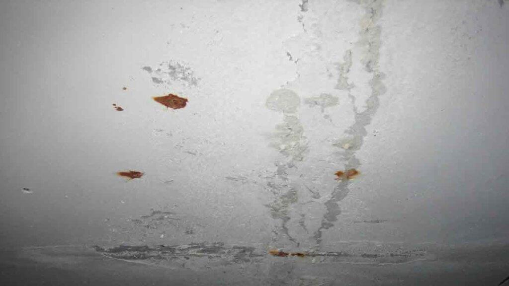смывка побелки с потолка
