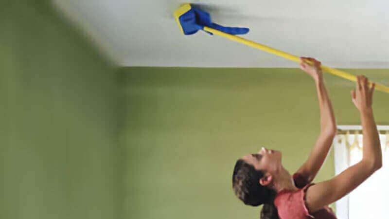 как мыть потолок из пластиковых панелей