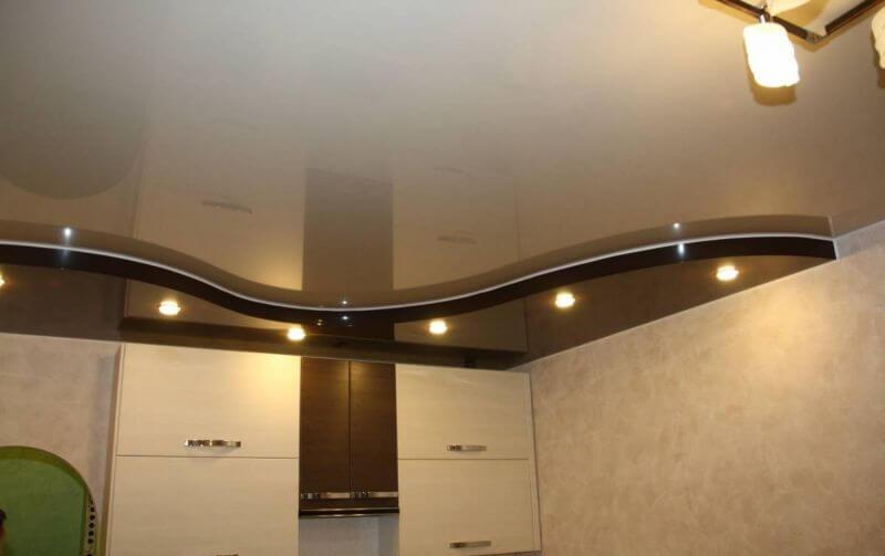 фигурный потолок на кухню
