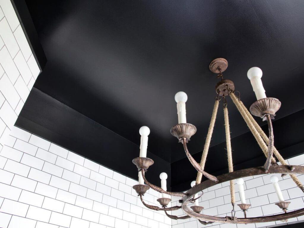 натяжные потолки черного цвета фото
