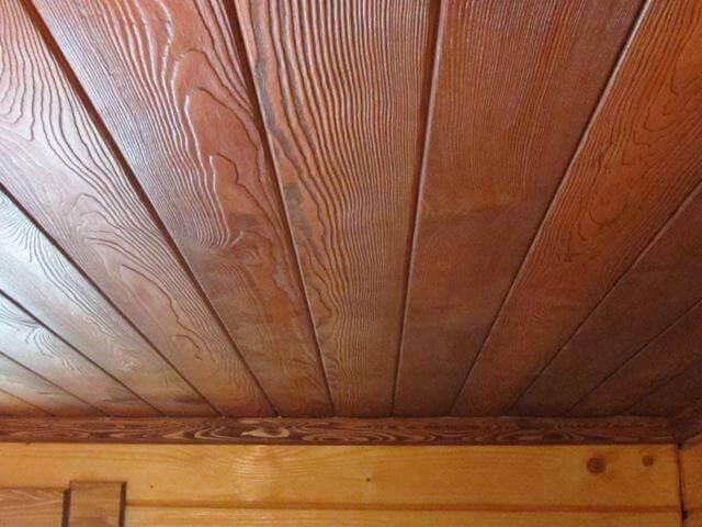 обшивка потолка имитацией бруса