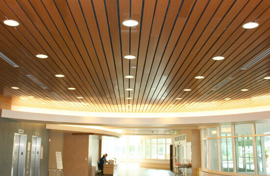 отделка деревянных потолков