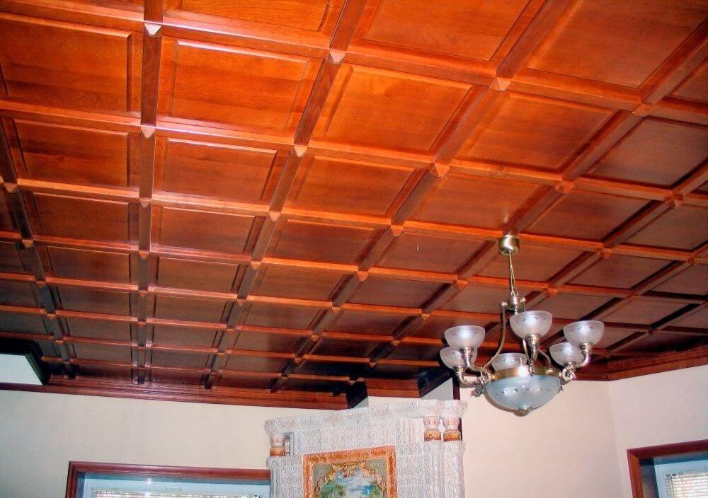 отделка потолка деревом фото