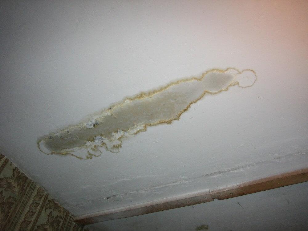 протечка потолка ремонт