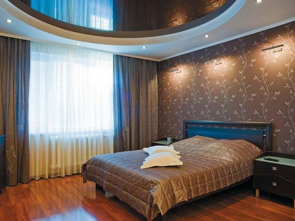 отделка потолка спальни варианты