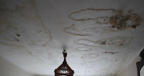 покраска потолка после протечки