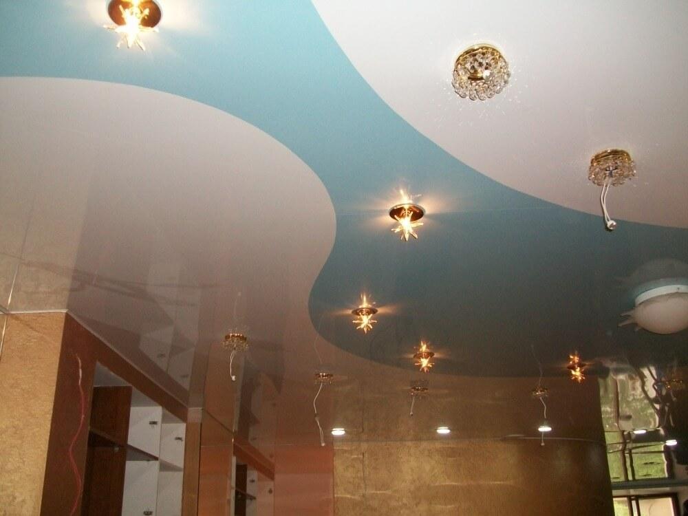 натяжные потолки спаянные два цвета фото