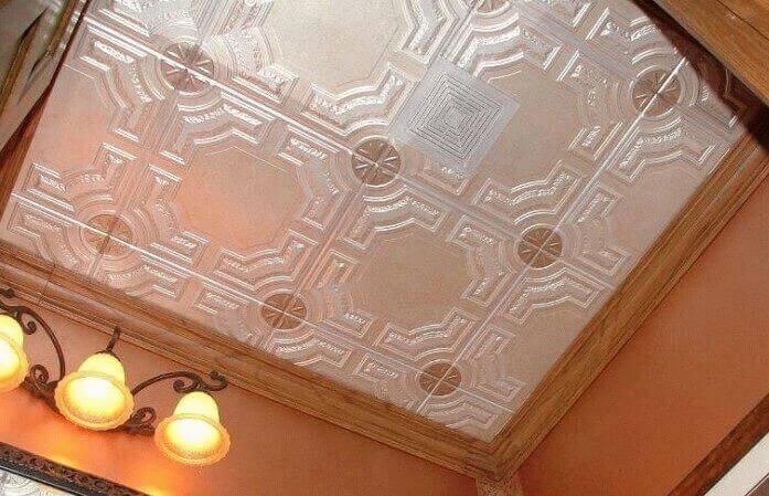 вид краски для покраски потолков из пенопласта