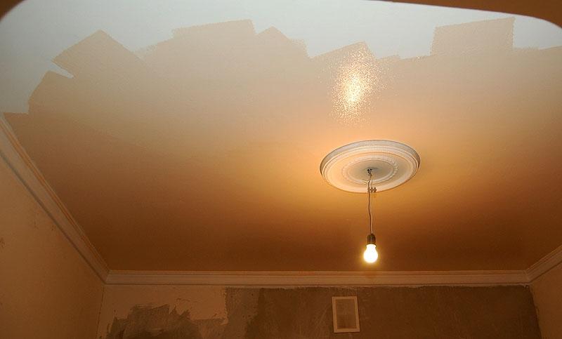 натяжной потолок или покраска