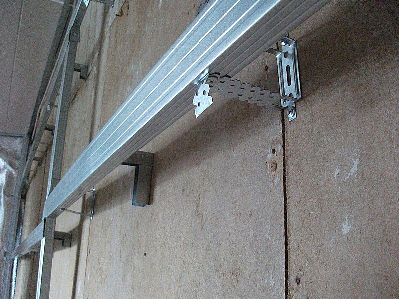 ремонт потолка из пластиковых панелей