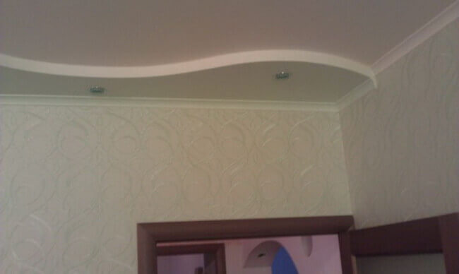 фигурный потолок из пенопласта