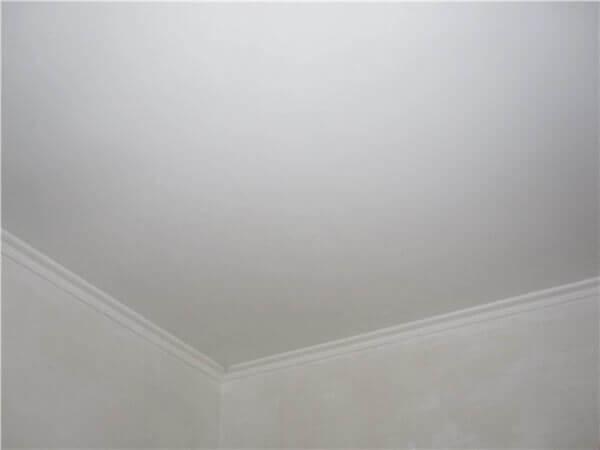 сколько раз грунтовать потолок перед шпаклевкой