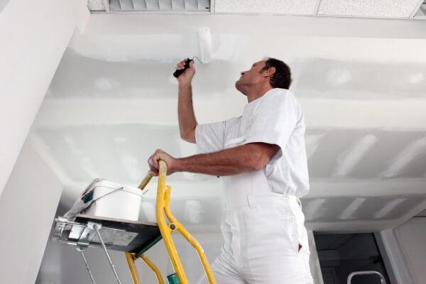 чем обработать гипсокартон на потолке перед покраской