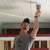 Чем покрасить деревянный потолок