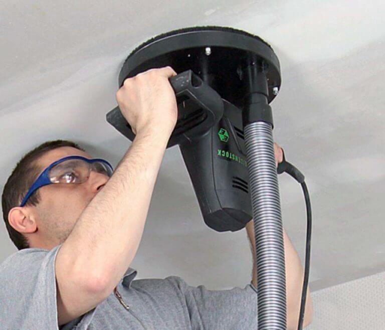 как очистить потолок от краски