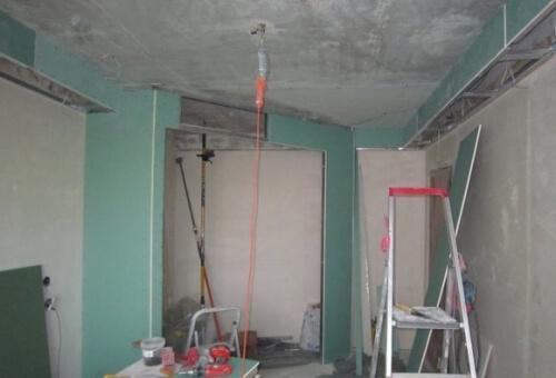 подготовка комнаты к монтажу натяжных потолков