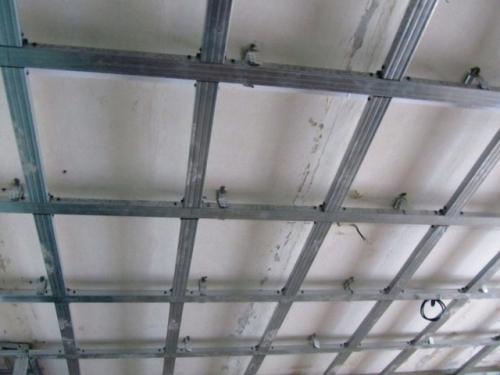 ремонт натяжных потолков из гипсокартона в квартирах
