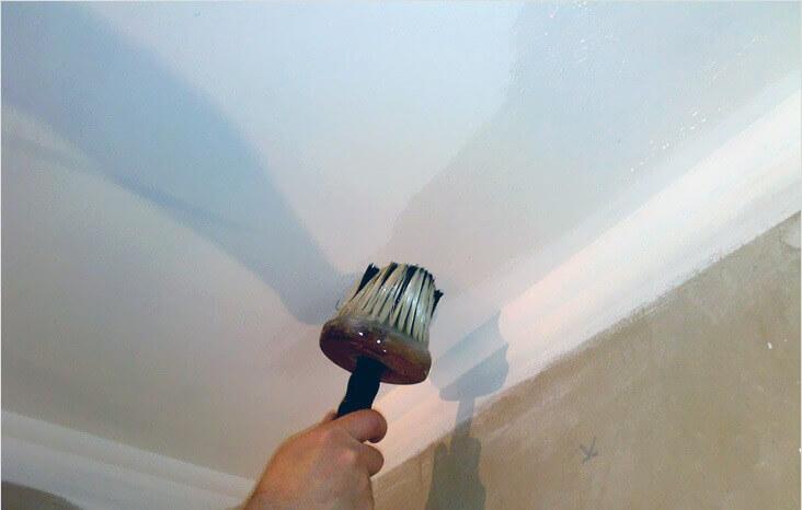 покраска бетонного потолка без шпаклевки