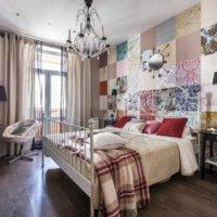 Оклейка стен и потолка обоями разных цветов