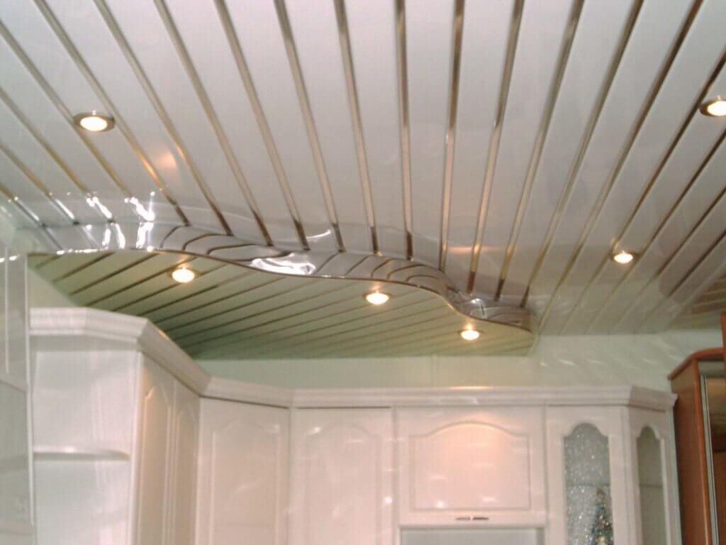потолок на кухне варианты отделки фото
