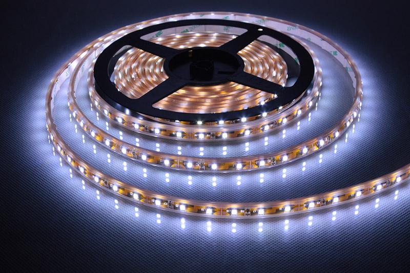 как приклеить светодиодную ленту на гипсокартон