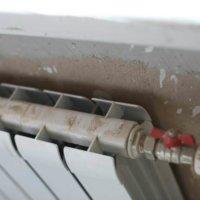 Как повесить на гипсокартон батарею или радиатор
