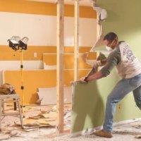 Демонтаж стен и потолка из гипсокартона