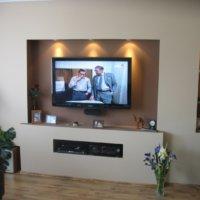 Телевизор на стене из гипсокартона