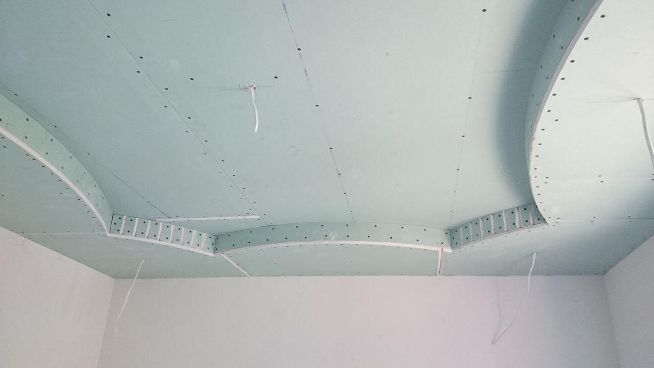 как выбрать гипсокартон для потолка